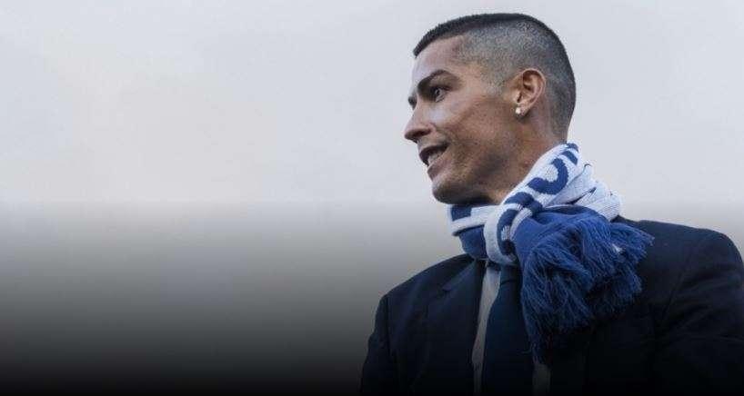 Publikohet fotografia  Ronaldo i hesht të gjithë