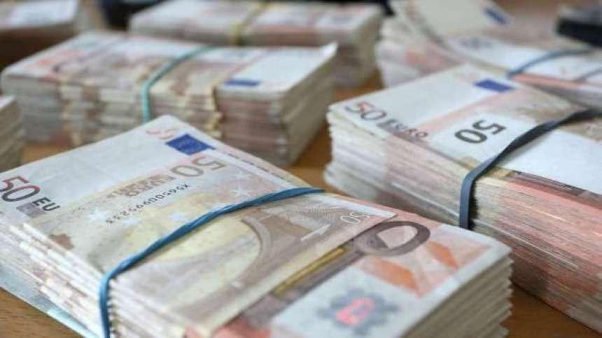 Grabitën 100 mijë euro në kasafortën e Hotelit në Tiranë