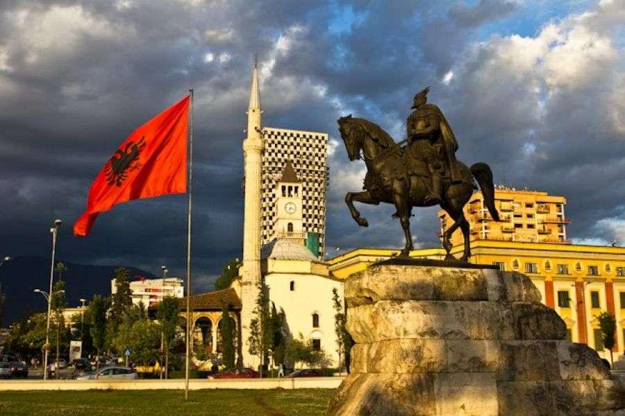 Holanda kërkon rikthimin e vizave për Shqipërinë