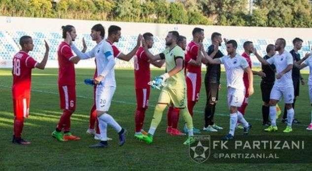 futbollistet-shqiptare-perjetojne-tmerrin-ne-avion