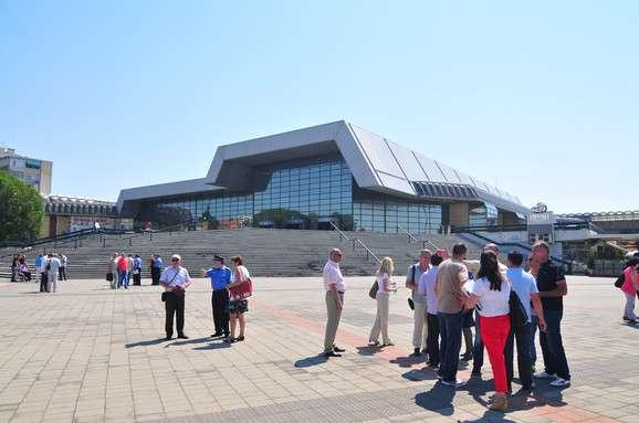 """Salla e Novi Sadit """"Spens"""", ku Serbia është e detyruar të ngrit flamurin e Kosovës me rastin e organizimit të Kampionatit Evropian të Karatesë"""