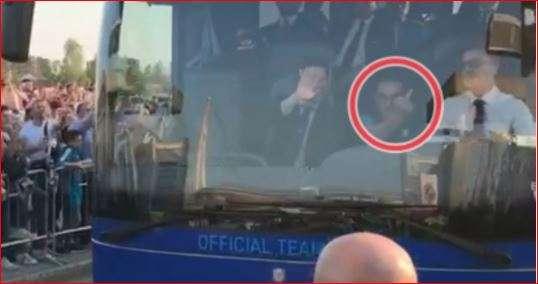Gjesti i turpshëm i trajnerit të Napolit, ua tregon gishtin e mesëm tifozëve të Juves