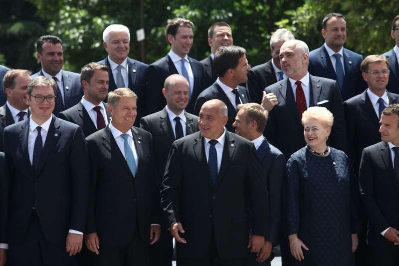 eu-western-balkans-summit-family-phoro_40361787450_o