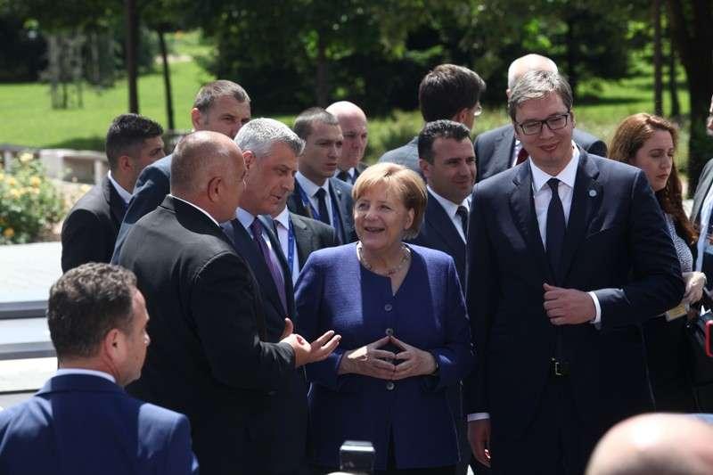 eu-western-balkans-summit-family-phoro_41268192375_o