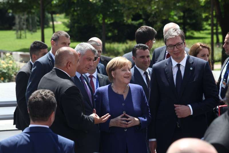eu-western-balkans-summit-family-phoro_41268192775_o