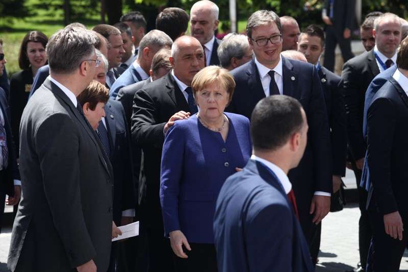 eu-western-balkans-summit-family-phoro_41268193025_o