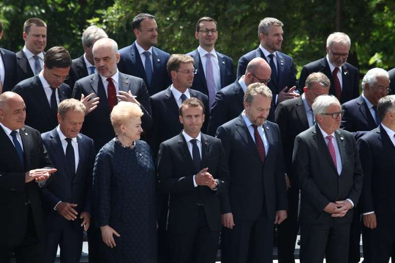 eu-western-balkans-summit-family-phoro_41268194105_o