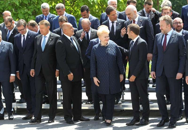 eu-western-balkans-summit-family-photo_41267669935_o