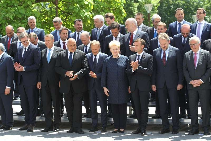 eu-western-balkans-summit-family-photo_41267670445_o