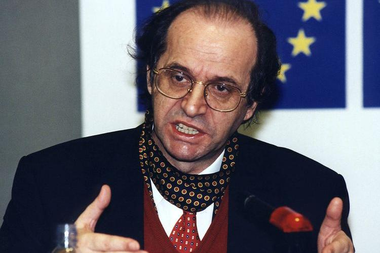 a-ishte-rugova-pro-korrigjimit-te-kufijve-hoti-publikon-intervisten-e-2004-tes-te-ish-presidentit