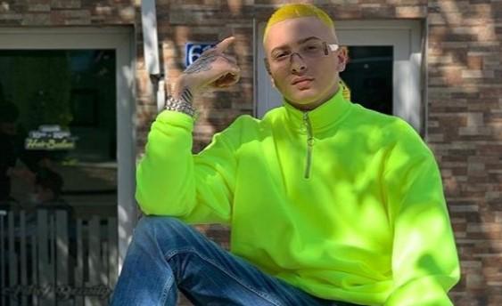 Fero bën flokët e verdha
