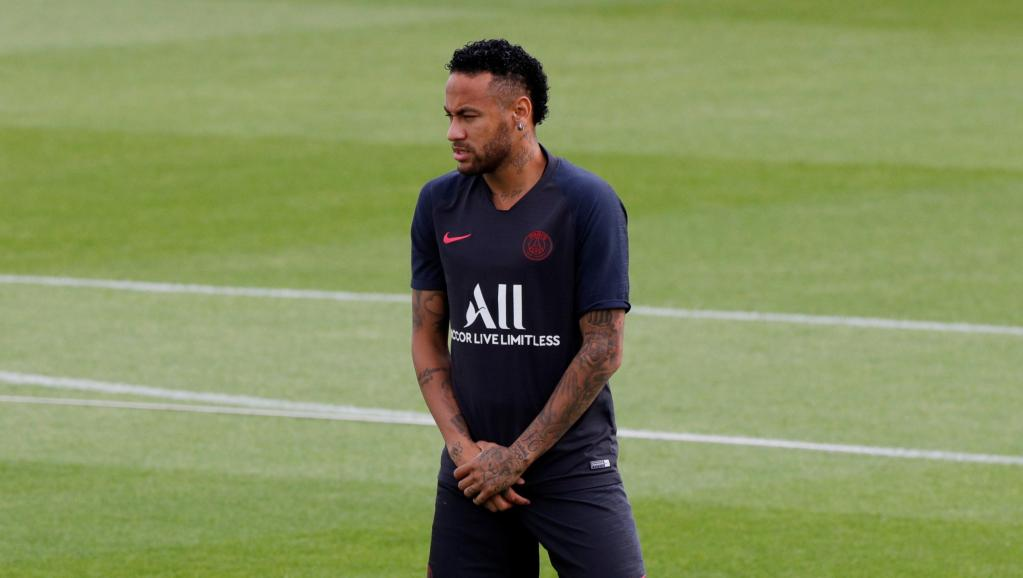 Barcelona me ofertë zyrtare për Neymar