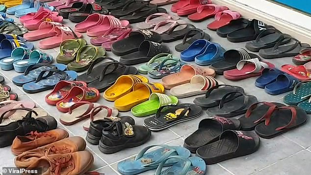 Burri i mbledhë 126 palë sandale dhe bën seks me to