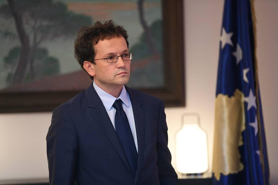 Murtezaj  Macron tha se brenda vitit 2020 duhet të arrihet marrëveshja finale Kosovë   Serbi