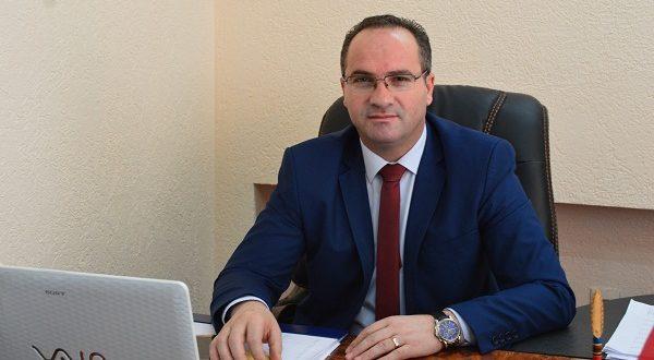 Krasniqi thotë se Haxhi Shala u largua nga NISMA pasi nuk iu ofrua posti i ministrit