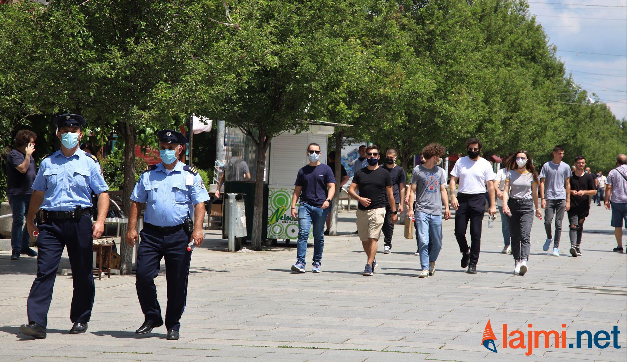 Për më pak se 3 muaj në Kosovë, afër 80 mijë qytetarë u dënuan për shkeljen e ligjit anti-Covid