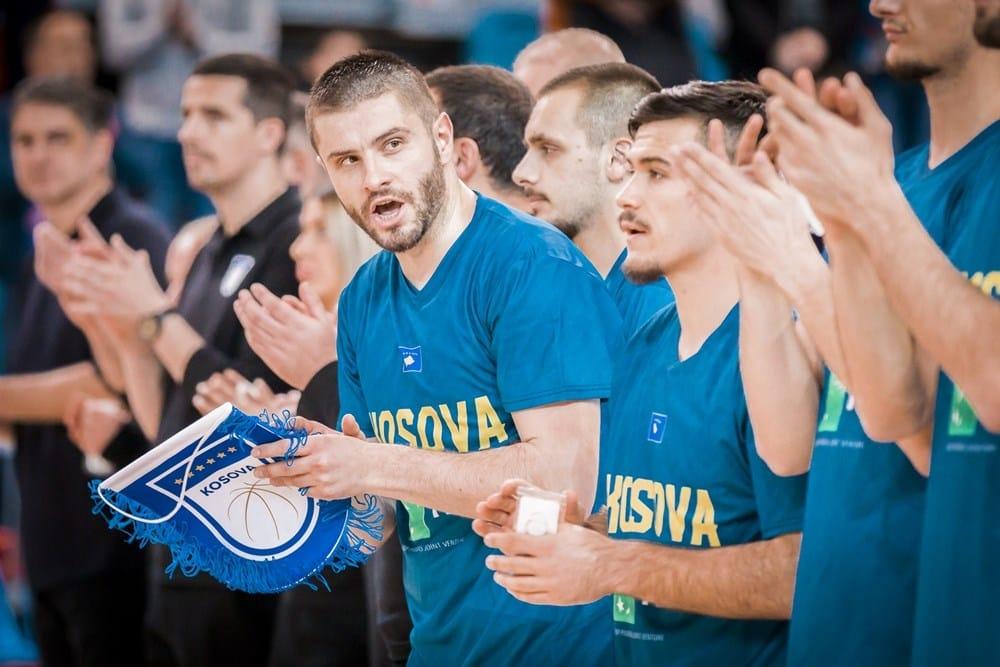 Dardan Berisha: Sonte nuk jeni vetëm, e gjithë Kosova me ju