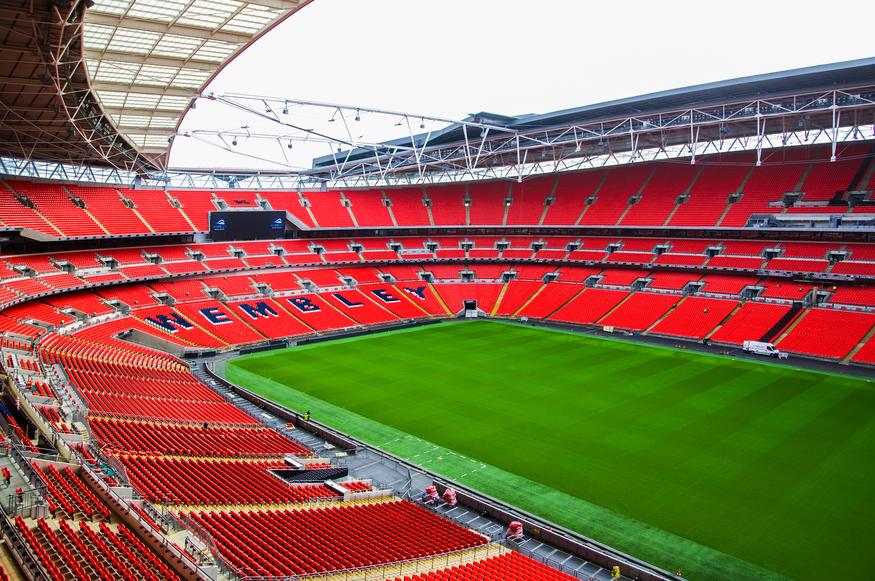 Tifozët do lejohen të shikojnë ndeshjet në Londër dhe Liverpool, por jo në Manchester