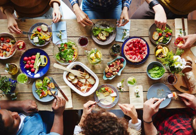 menyra-e-te-ushqyerit-ndikon-ne-shfaqjen-e-hershme-te-depresionit-cfare-mund-te-beni